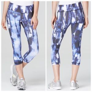 Vimmia Blue Abstract Print Crop Capri Leggings